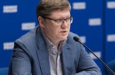 Единороссы разработали меры по ограничению цен на медикаменты