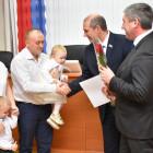 Молодым пензенским семьям вручили жилищные сертификаты