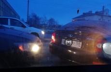 Пензенский микрорайон Терновка замер в пробке из-за аварии