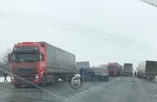 Жуткое ДТП на трассе «Пенза – Тамбов»: на месте работает «скорая»
