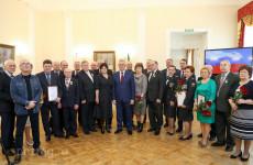 Иван Белозерцев отметил госнаградами выдающихся пензенцев
