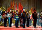 Защитникам отечества подарили яркий концерт (+50 фото)
