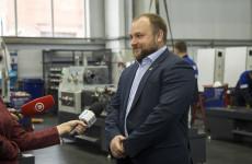 Олег Кочетков поздравил жителей Пензы и области с Днем защитника отечества