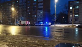 К жилому дому в пензенском Арбеково стянулись машины экстренных служб