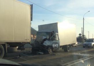 Страшная авария спровоцировала серьезный затор под Пензой