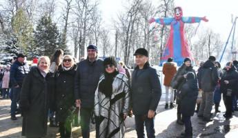 Пензенцы с размахом отметили Масленицу в парке Белинского