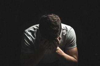 Молодой мужчина покончил с собой после просмотра порно с участием жены