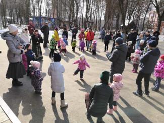 Юных пензенцев приглашают в Детский парк на «встречу веселых друзей»