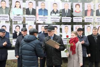 Пензенский губернатор наградил лучших работников ЖКХ