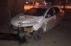 В Пензе возле ЦНТИ изуродовало машину такси. ФОТО