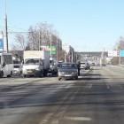 Улица Карпинского в Пензе встала в пробке из-за ДТП