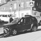 В Пензе в жесткой аварии изуродовало французский кроссовер