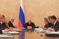 Премьер-министр России предложил ввести режим самоизоляции во всех регионах