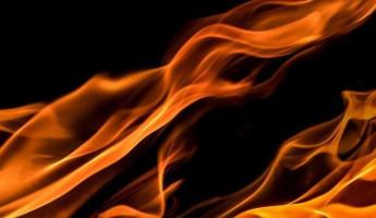 Под Пензой пожар уничтожил деревянную баню