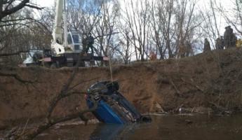 Появились фото с места ДТП с затонувшей машиной в Пензенской области