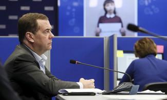 «Единая Россия» продолжает помогать людям в условиях пандемии коронавируса