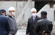Иван Белозерцев оценил ход строительства пензенского цирка