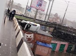 Стали известны подробности ДТП с упавшей с моста в Пензе машиной