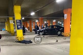 В соцсетях сообщили о жутком ДТП на пензенской парковке