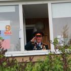 Пензенским ветеранам устроили парад под окнами. Как это было