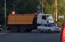 В пензенской Терновке грузовик влетел в легковушку