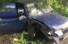 Жесткое ДТП в Пензе: на улице Одесской разбилась легковушка