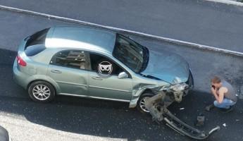 На улице Ставского в Пензе разбилась иномарка: центр города замер в пробке