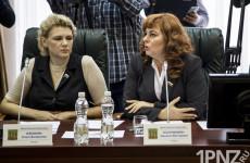 Поздравляем! Депутат гордумы Людмила Коломыцева празднует день рождения