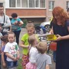 Коломыцева устроила праздник для детей в Арбековской заставе