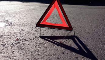 В Пензенской области машина врезалась в жилой дом, есть пострадавшие