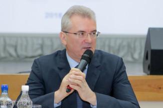 После грозы губернатор Иван Белозерцев ответил на неудобный вопрос про дождевые канализации