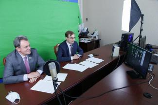 Председатель пензенского ЗакСобра провел заседание с молодыми активистами