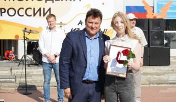 Волонтеры Пензенской области получили грамоты и медали Президента РФ