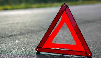 На трассе в Пензенской области легковушка влетела в фонарный столб