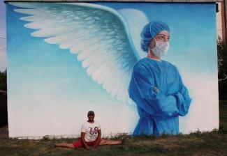 В Пензе восстановили граффити с медиком-ангелом