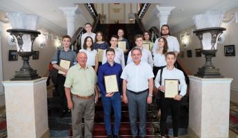 В Пензе отметили благодарностями представителей Корпуса «За чистые выборы»