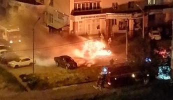 В пензенском микрорайоне Арбеково сгорела дотла легковушка. ФОТО
