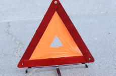Жесткая авария в Пензе: скутер столкнулся с легковушкой