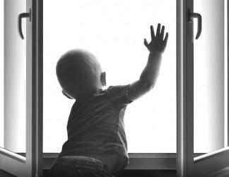 В Пензе 2-летний ребенок погиб, выпав с 9 этажа