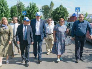 Пензенские единороссы проверяют состояние городских дорог