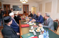 Губернатор Пензенской области Иван Белозерцев встретился с представителями мусульманского духовенства