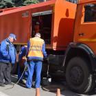 В Пензе на улице Славы прорвало канализацию