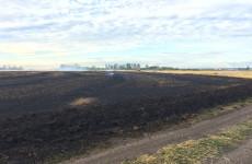 В Кузнецком районе из-за трактора загорелось поле