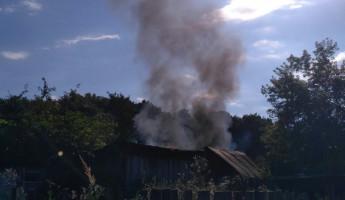 Появились новые фото с места пожара в пензенском микрорайоне Арбеково