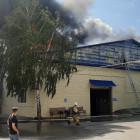 В Пензе загорелся ангар мебельной фабрики