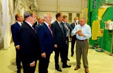 Игорь Комаров посетил холдинговую компанию «Маяк»