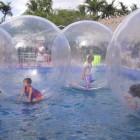 Двое пензенских детей пострадали на аттракционе «Водные шары»
