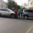 Центр Пензы встал в пробке из-за аварии с двумя авто