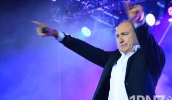 Хор Турецкого исполнил в Заречном противокоронавирусную песню (+47 фото)