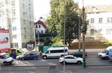 Массовое ДТП на улице Калинина в Пензе: на месте работает «скорая»